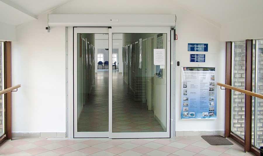 SOTE 2 Sejtanalitikai labor automata ajtó referencia