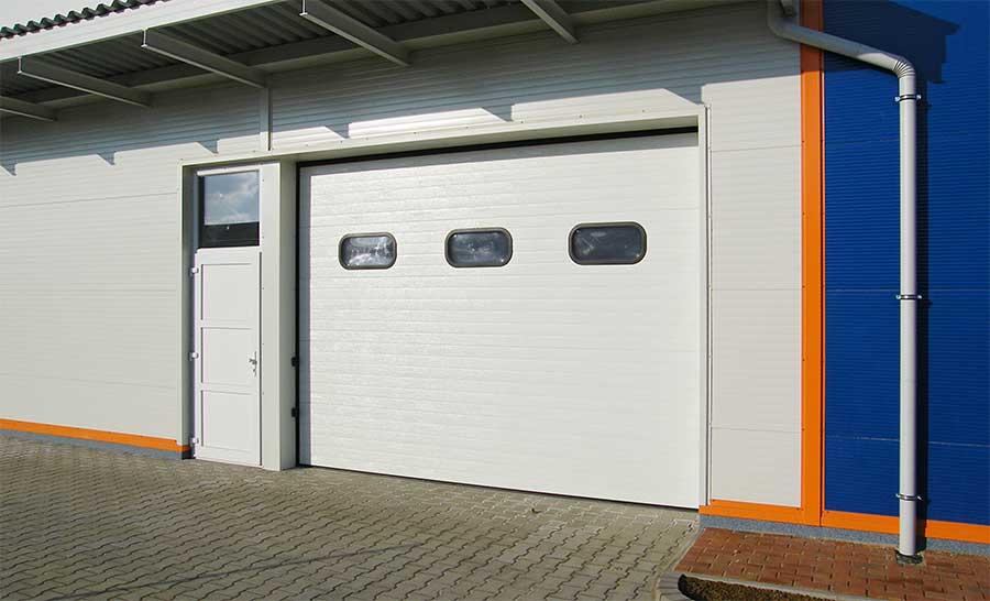 Az Ecotor ipari kapu megbízható és stílusos választás bármilyen ipari létesítményhez